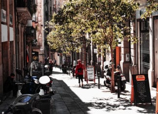 local tips barcelona