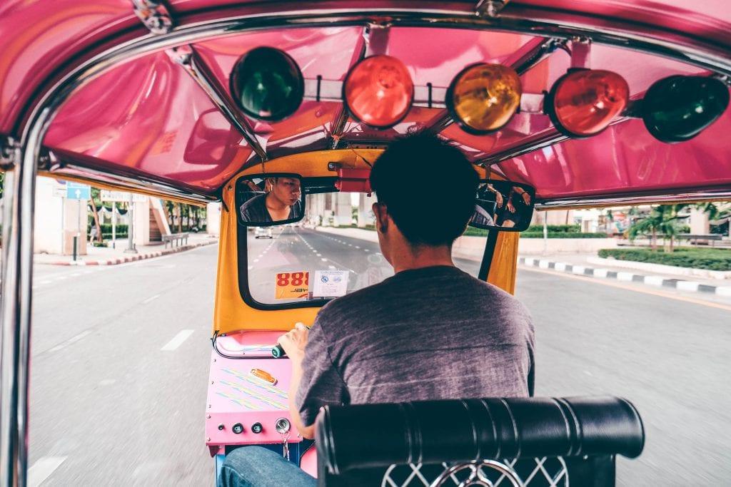 Een ritje met de tuk tuk in Thailand