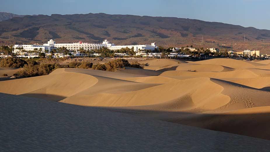 De bekende duinen van Maspalomas op Gran Canaria