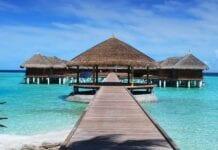 Huisjes in de lagune op de Malediven