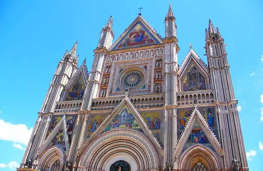 Gevel van de kerk in Orvieto in Umbrie