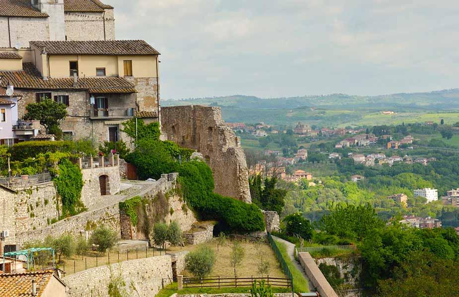 Het stadje Narni in Umbrie