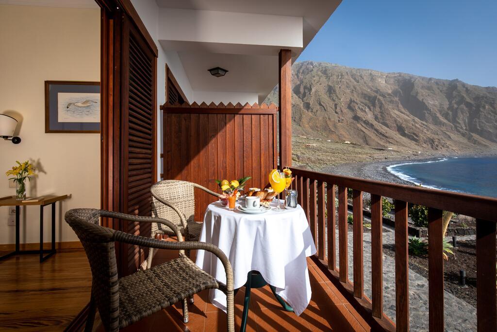 Balkon met uitzicht op zee bij de Parador op El HIerro