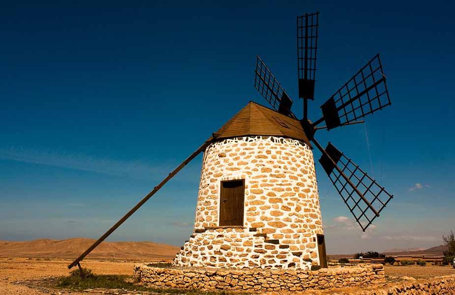Typische windmolens op Fuerteventura