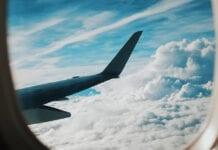 slapen in vliegtuig