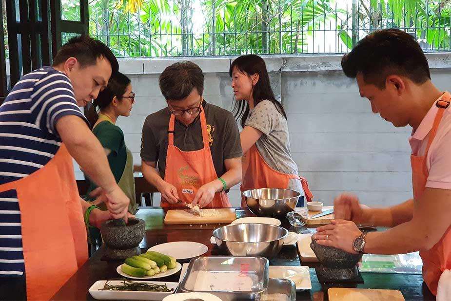 Doen in Bangkok, samen Thaise gerechten leren maken