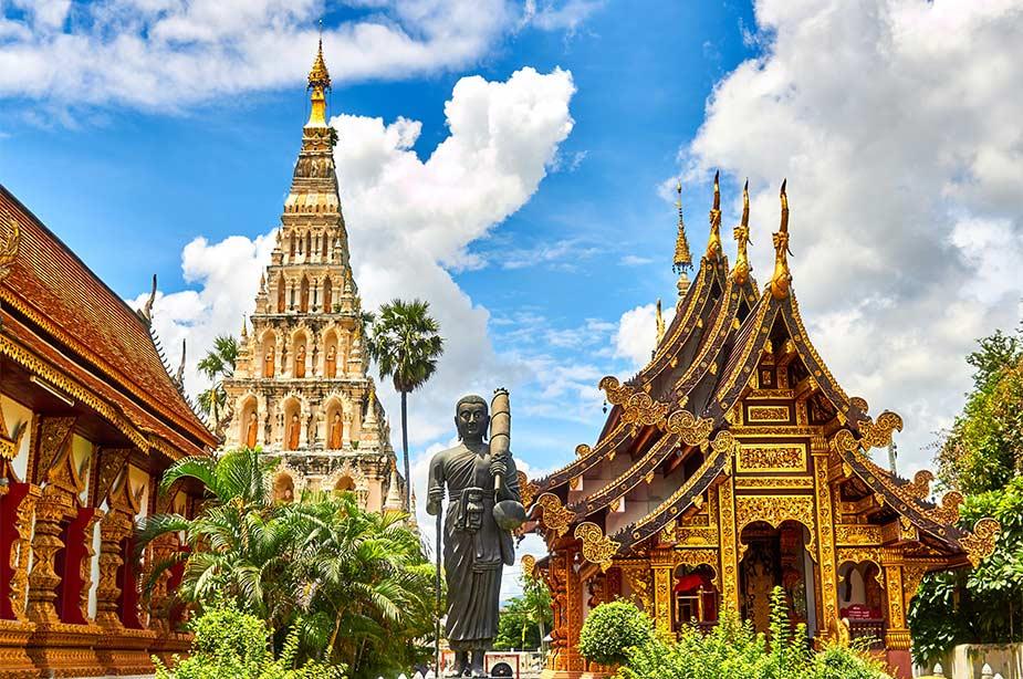 Buiten aanzicht van de Wiang Kum Kam Tempel in Thailand