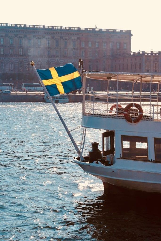 Een rondvaart maken per boot door Stockholm