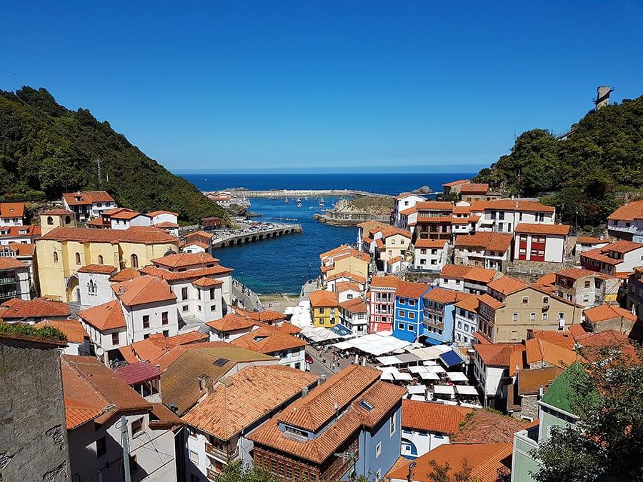 Het romanisch Spaans dorpje Peratallada