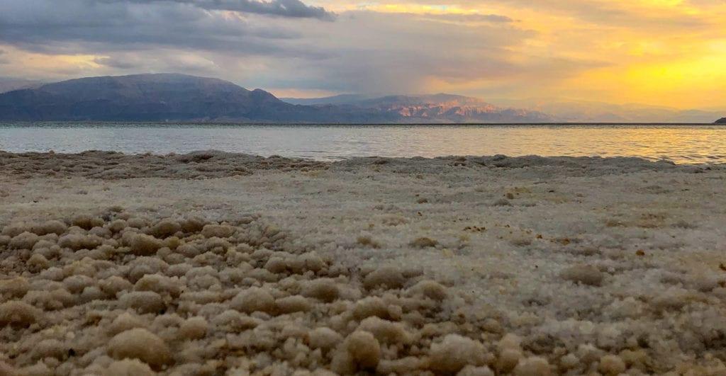 zout-kristallen-dode-zee-israel-ein-bokek