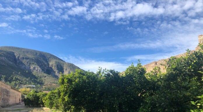 De bergen bij Simat De Valldigna