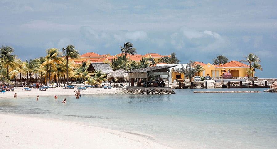 Een van de stranden op Curacao