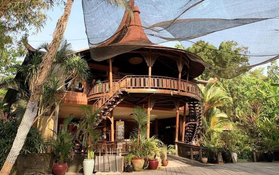 De Yoga barn voor meditatie op Bali