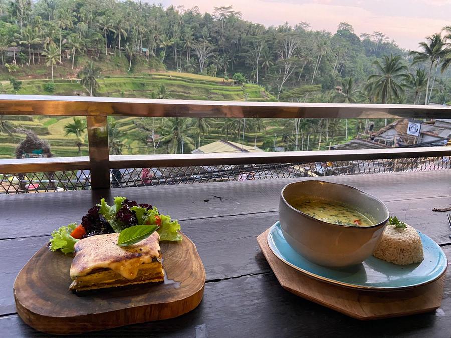 Vegan eten op Bali met uitzicht