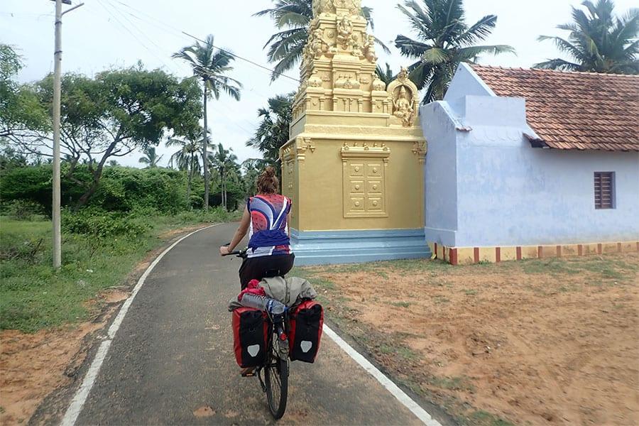 Tijdens het fietsen door Zuid- India zie je diverse tempels
