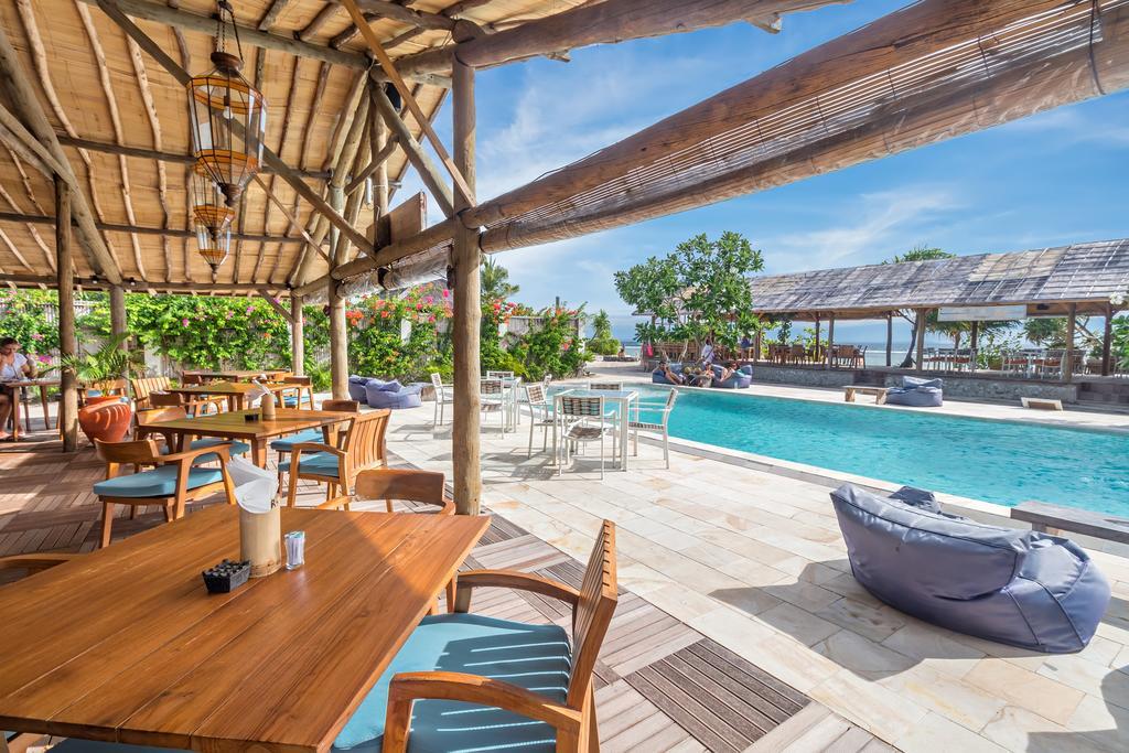 Zwembad van Avia Villa Resort Gili Meno