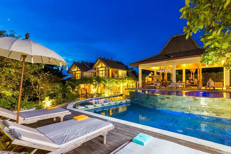 Het zwembad van boho hotel Bali