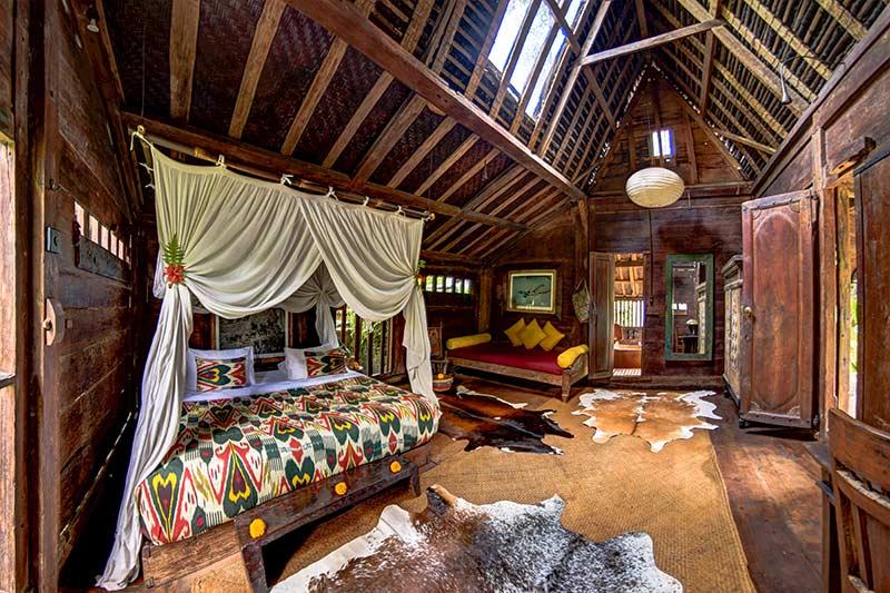 Interieur kamer Africa house in Bambuh Indah