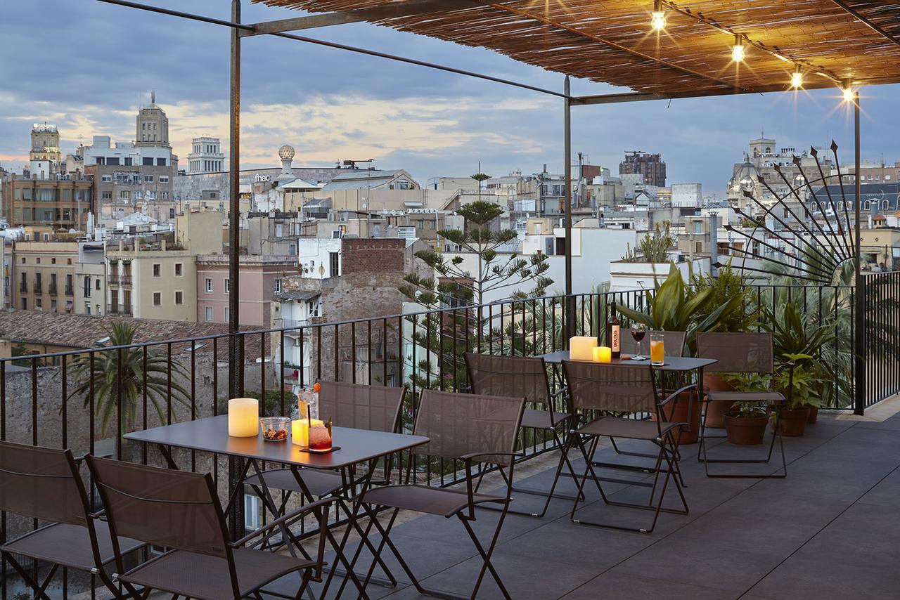 Dakterras van het op een na best beoordeelde hotel in Barcelon, Casa Camper