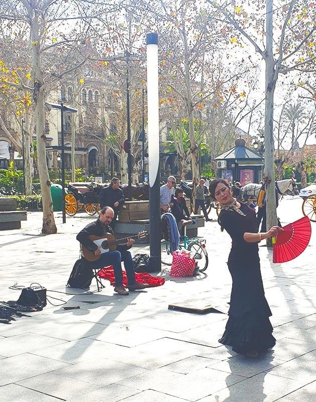 Flamenco danseres in park