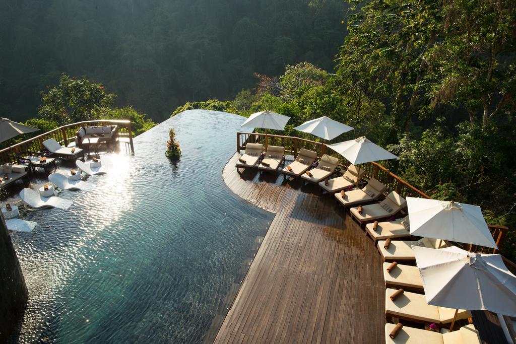 Zwembad van de Hanging Gardens op Bali