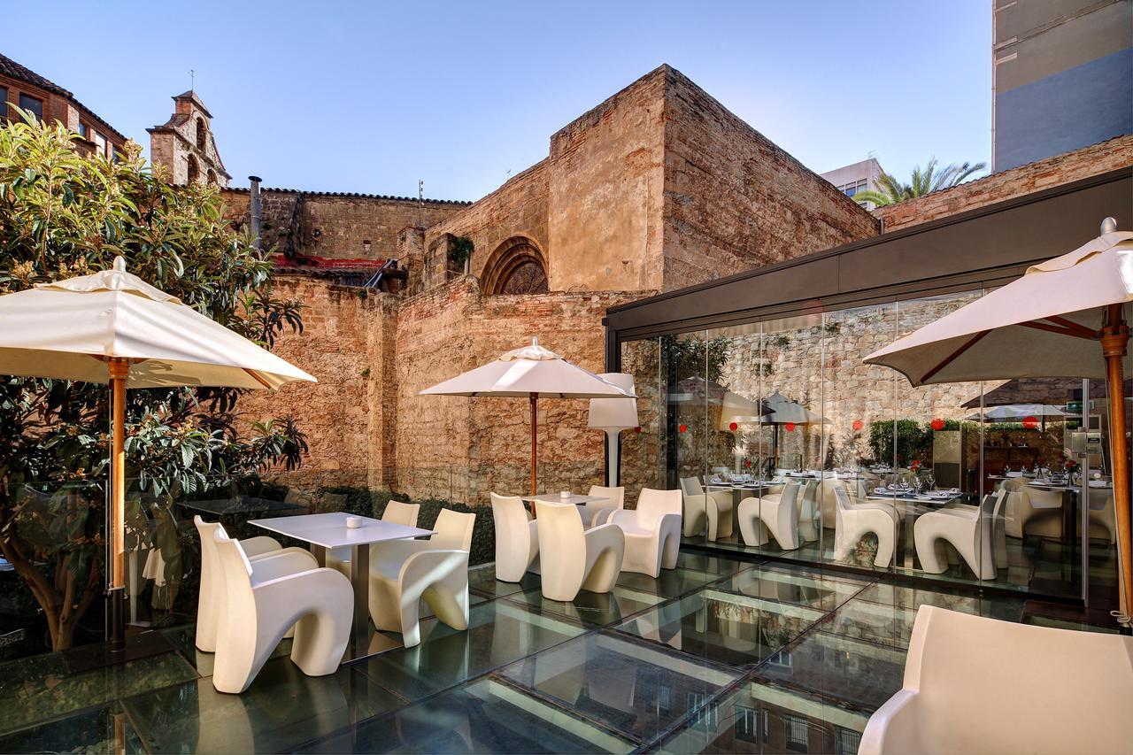 terras van Olivia Plaza Hotel Barcelona