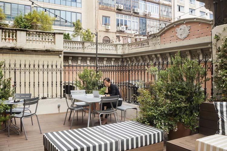 Tuin met terras van Hotel Praktik essens in Barcelona