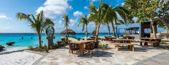 Terras aan zee op Bonaire