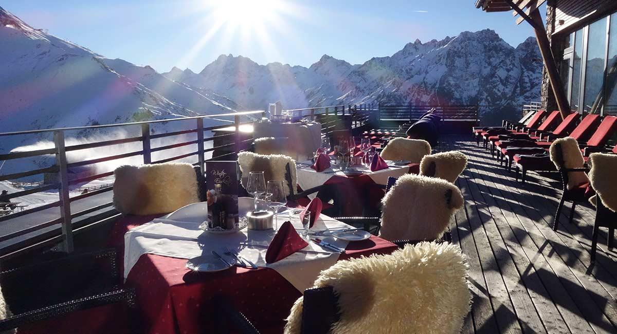 Terras bij wintersport Oostenrijk