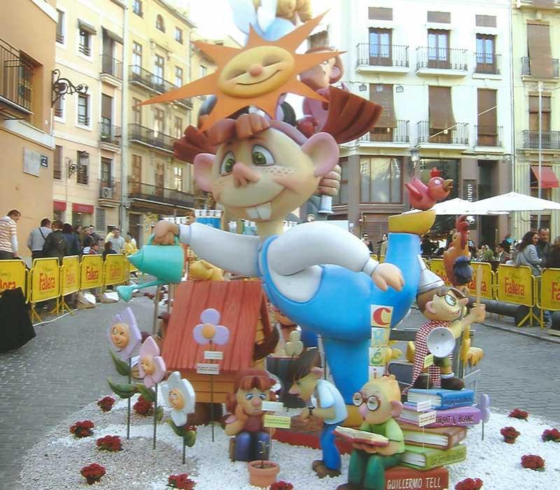 Een pop (falla) tijdens de Las Fallas in Valencia