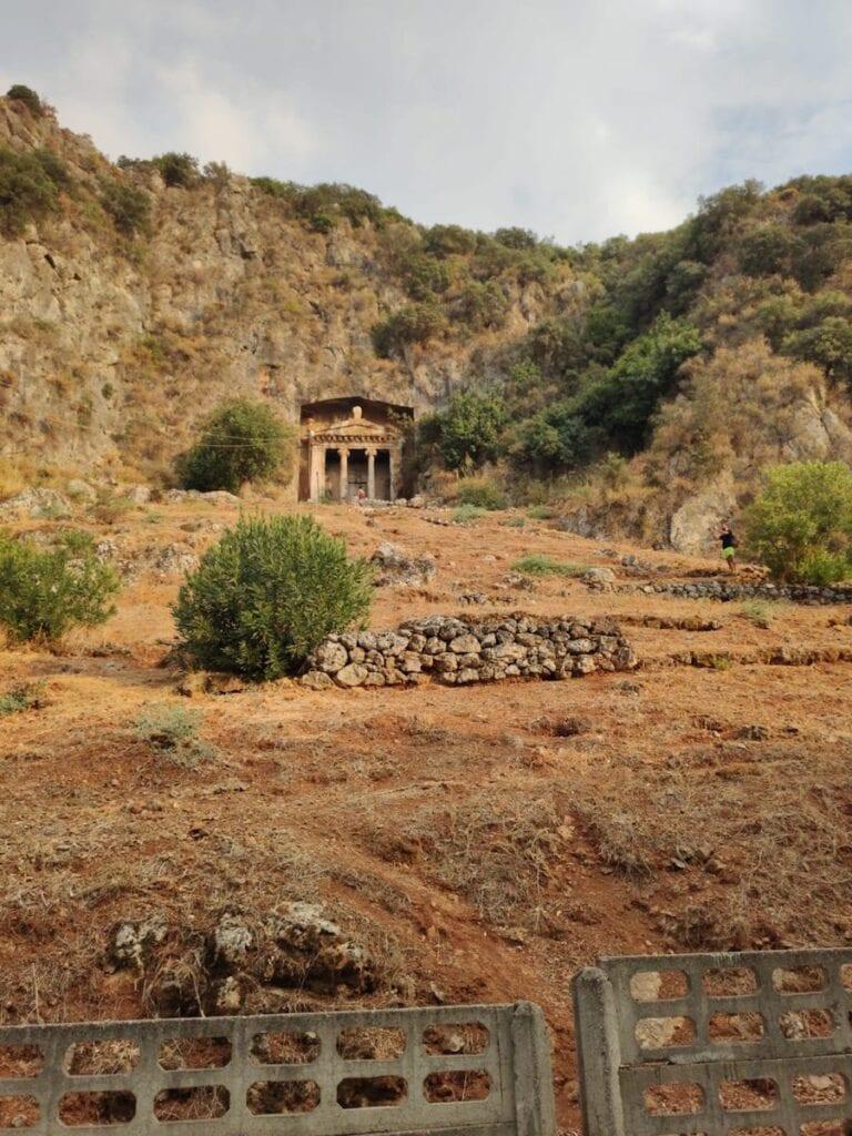 Tombe van Amyntas in de bergen