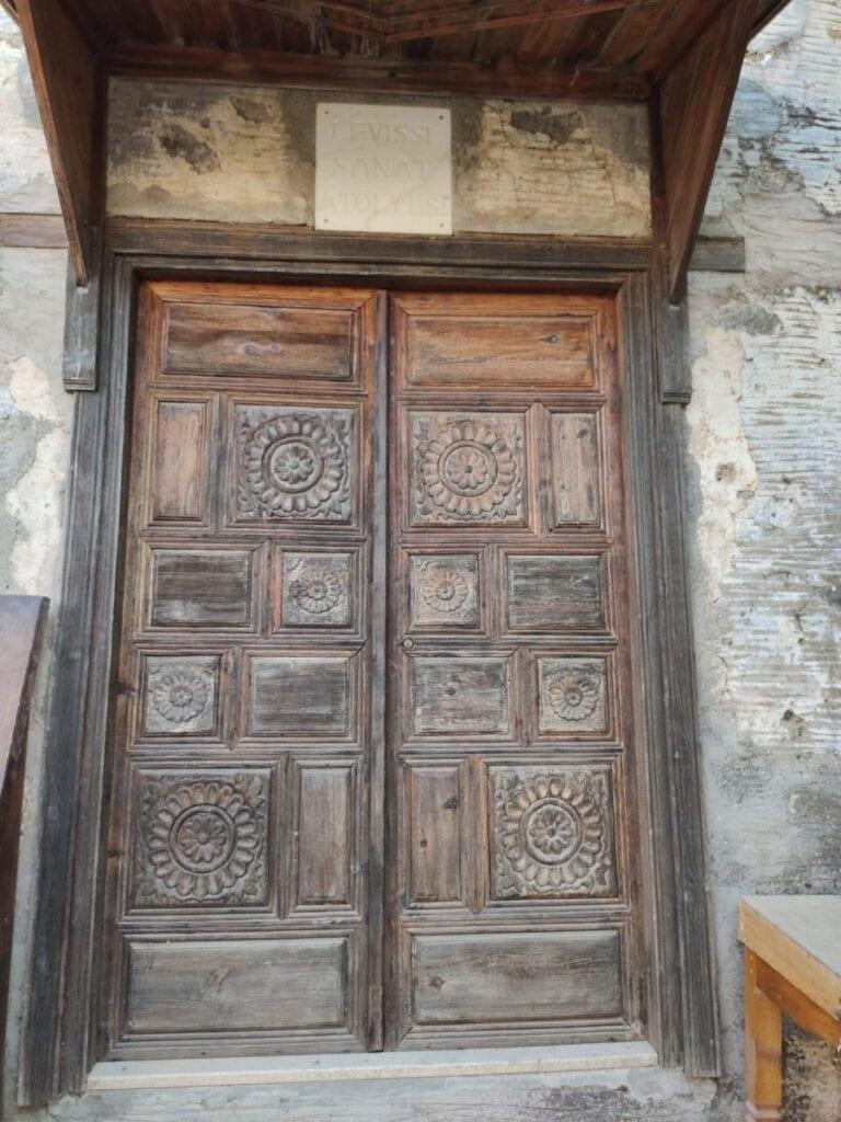 Voordeur huis in Kayaköy Fethiye