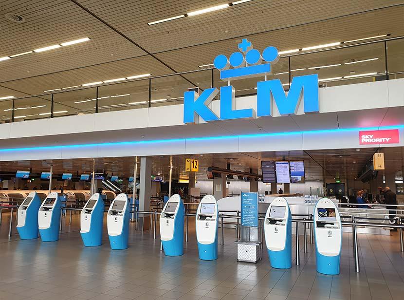Lege incheckbalies bij KLM