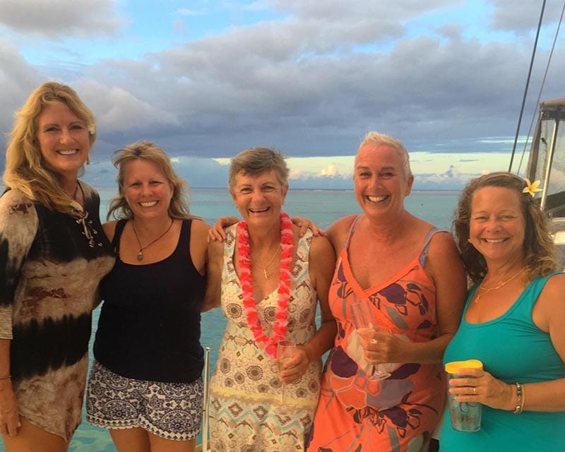 Drankje bij de duikschool met vrienden