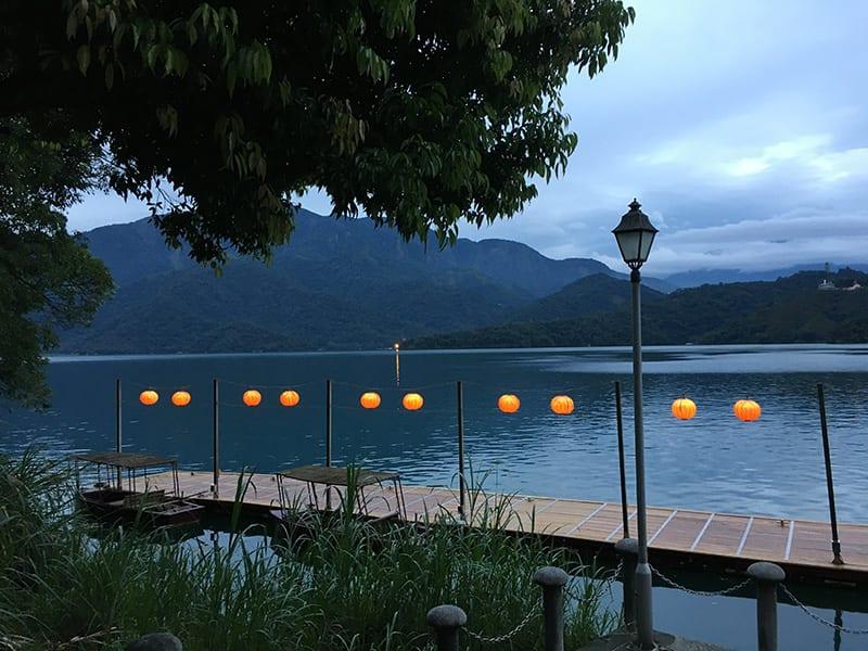 bezoek sun moon lake tijdens reis naar taiwan
