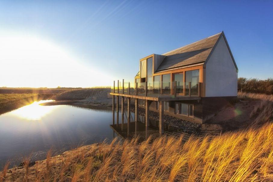 Genieten van prachtig uitzicht vanaf dit terras op Texel