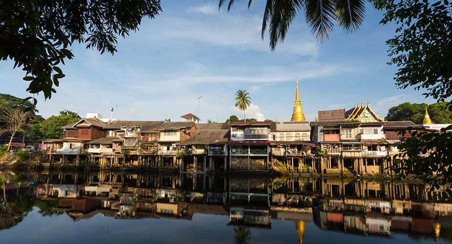 Het oude centrum aan de rivier in Chanthaburi