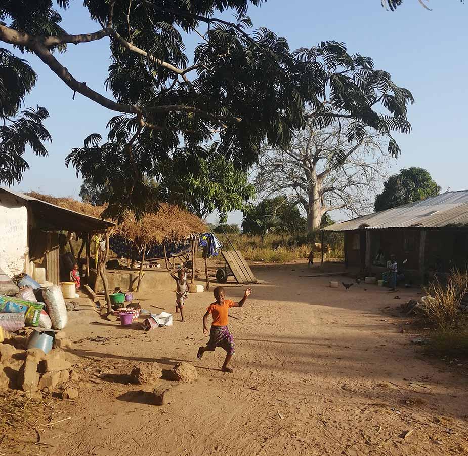 Kindjes in Gambia