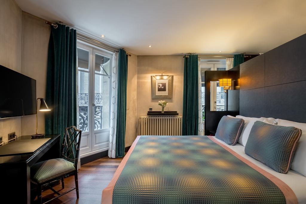 Interieur van een kamer in Mate Alain - Champs-Elysées P