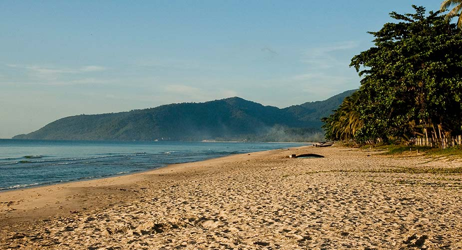 Strand en natuur bij Nakhon Si Thammarat