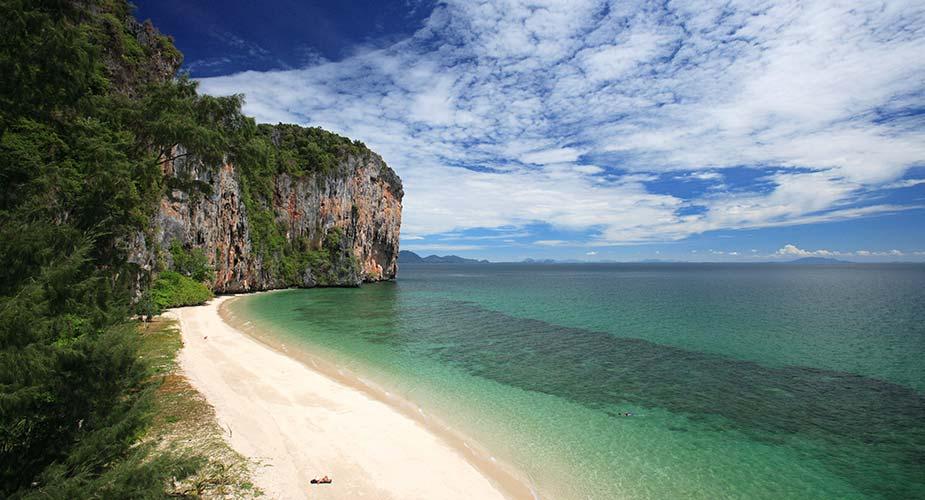 Een strand op Koh Lao Liang
