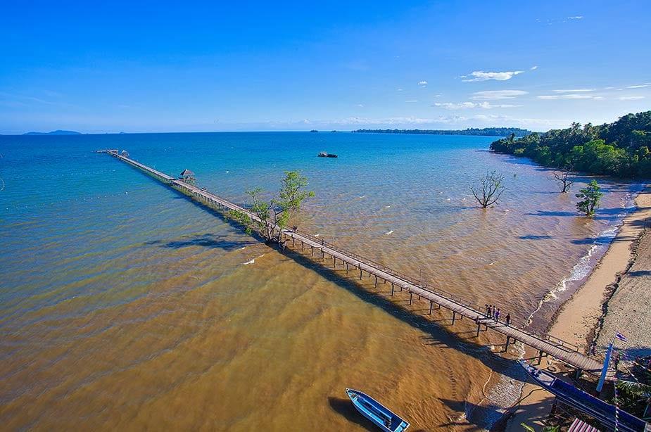 Die pier van het eiland Koh Mak
