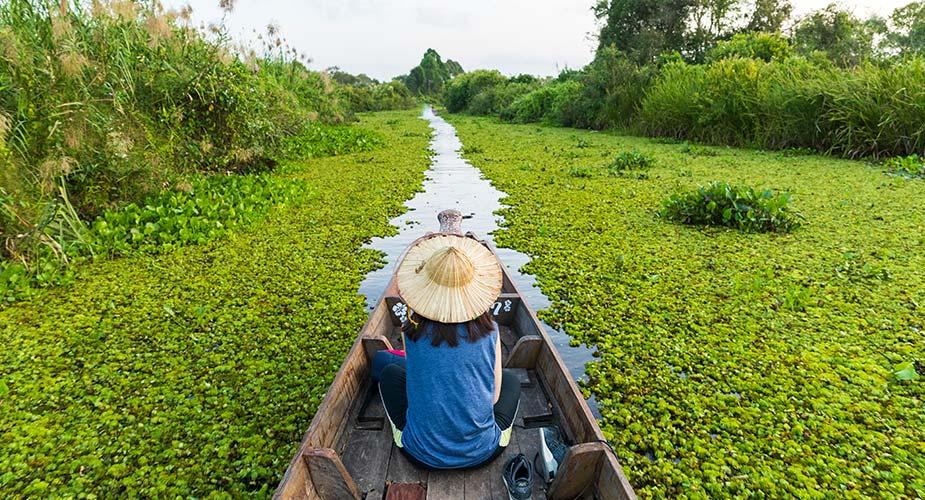Varen door het watergebied van Thale Noi