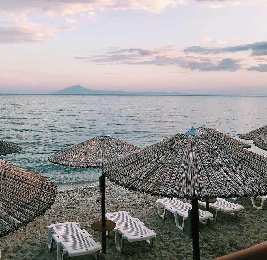 Strand op Thassos tijdens roadtrip vanuit Thessaloniki