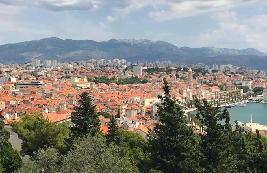 Uitzicht stad Marjan Berg Split Triptalk