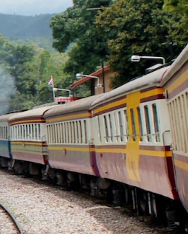 Typische trein in Thailand