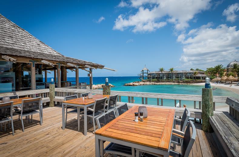 Bar op de pier van Avila Beac