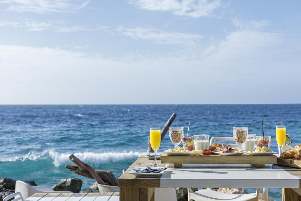 Ontbijten bij BijBlauw op Curacao