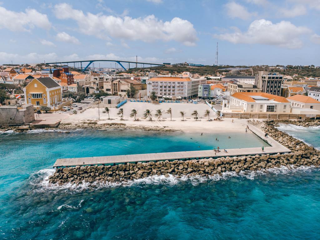 Strand bij City Suites & Beach Hotel op Curacao