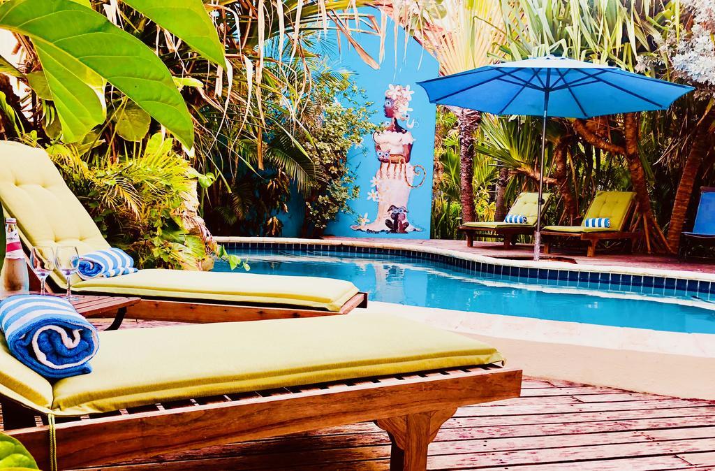 Zwembad van Pietermaai Boutique Hotel op Curacao